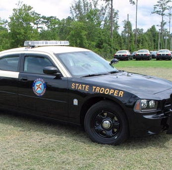 Cape Coral man dies from injuries after his SUV crashes along I-75 in Collier County