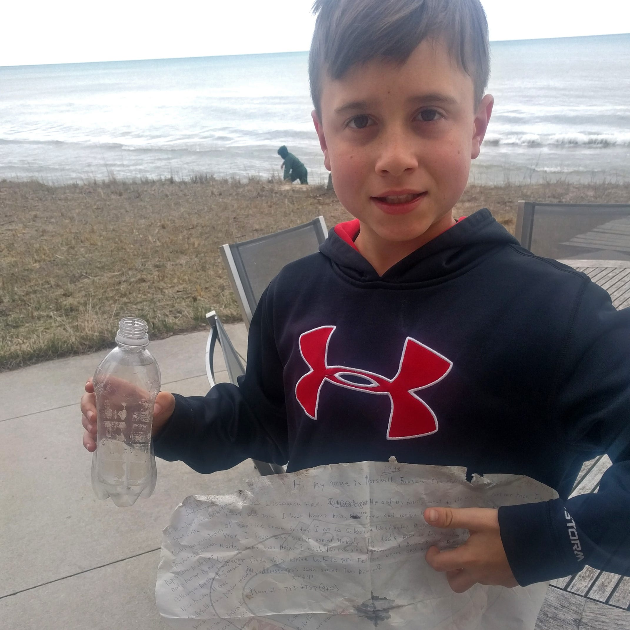 Stingl: Message in a bottle tossed into Lake Michigan is found by a boy 21 years later