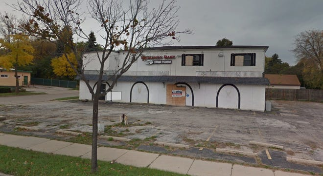 The former Broadway Baby dinner theater might be converted into a boxing/fitness center, and restaurant.
