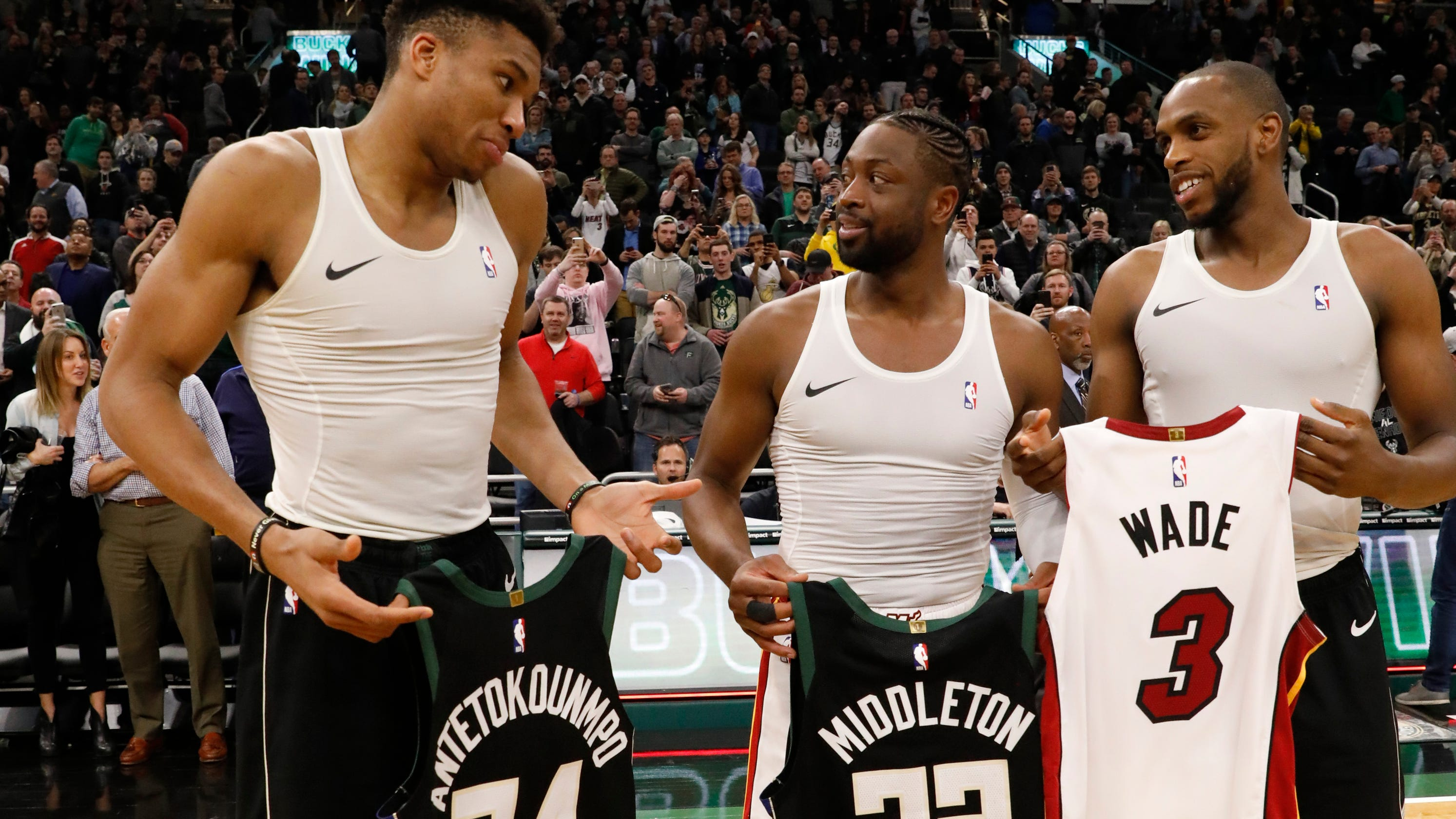 low priced 73b84 7dac5 Giannis Antetokounmpo third in jersey sales, Bucks fifth as ...