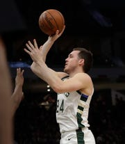 Pat Connaughton hits a jumper in the second half Wednesday night.