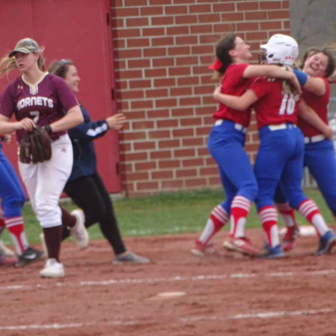 Licking Valley softball celebrates walk-off under watchful eye of all-time great