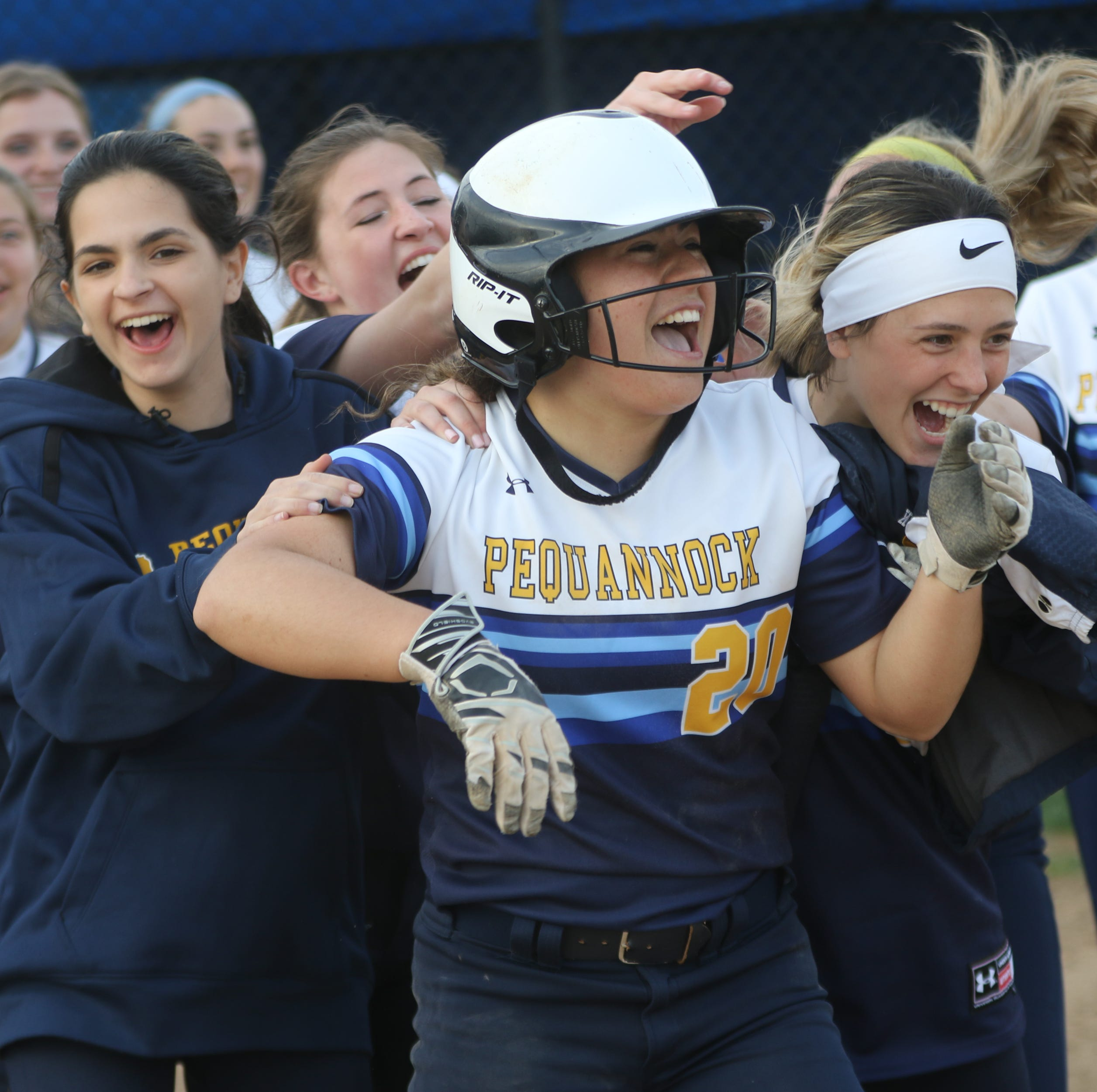 Pequannock softball squeezes past Hasbrouck Heights, hands Aviators first loss