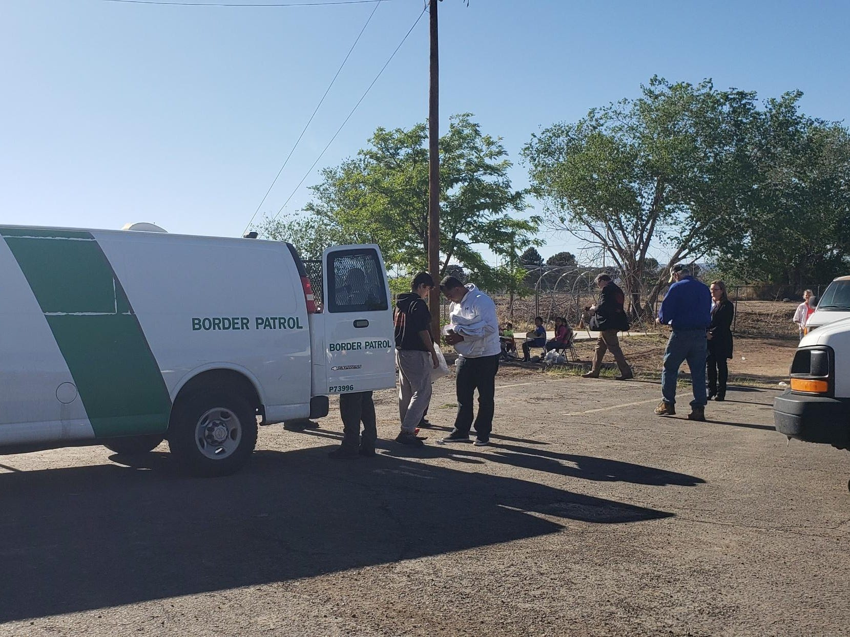Border Patrol drops off about 24 migrants at the Gospel Rescue Mission on Thursday, April 18, 2019.