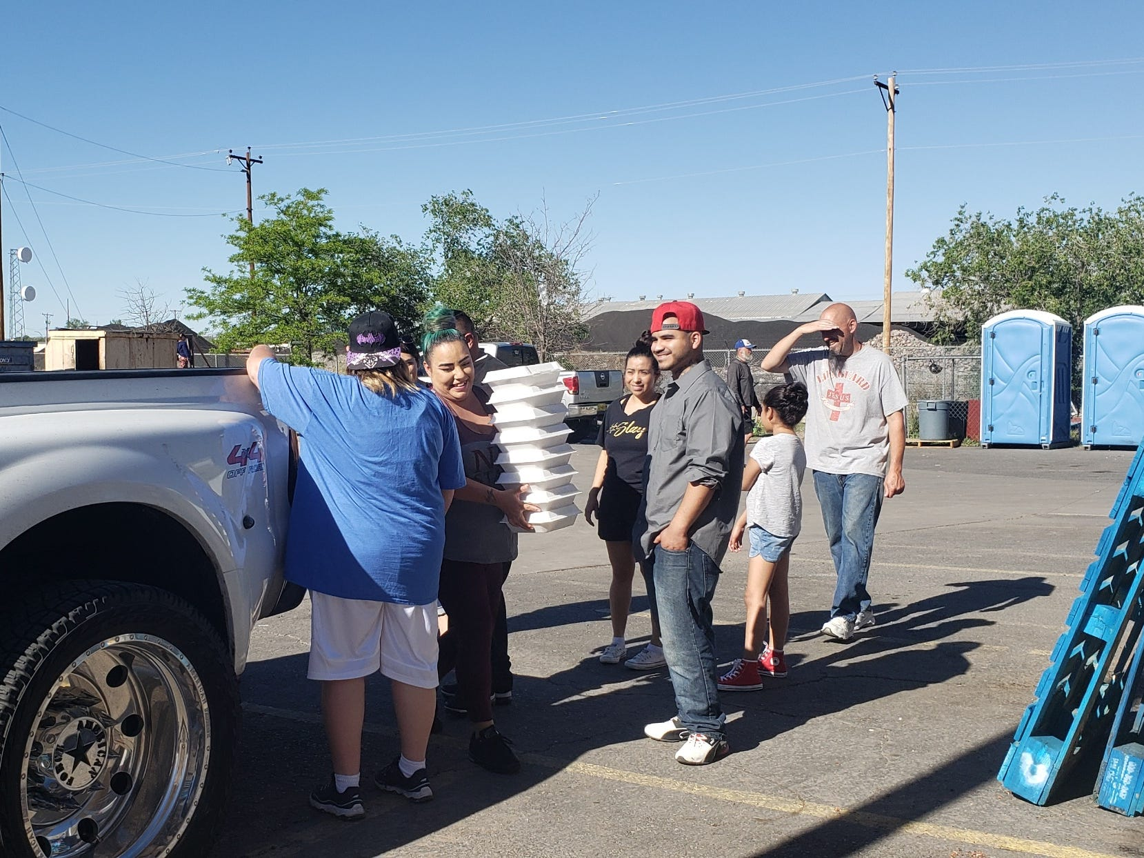Volunteers deliver 250 meals to migrants at the Gospel Rescue Mission on Thursday, April 18, 2019.