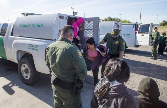 Guatemalan migrants seeking asylum in the U.S. are dropped off by U.S. Border Patrol agents in Blythe. Riverside County staff received the families and transported them to a local church.