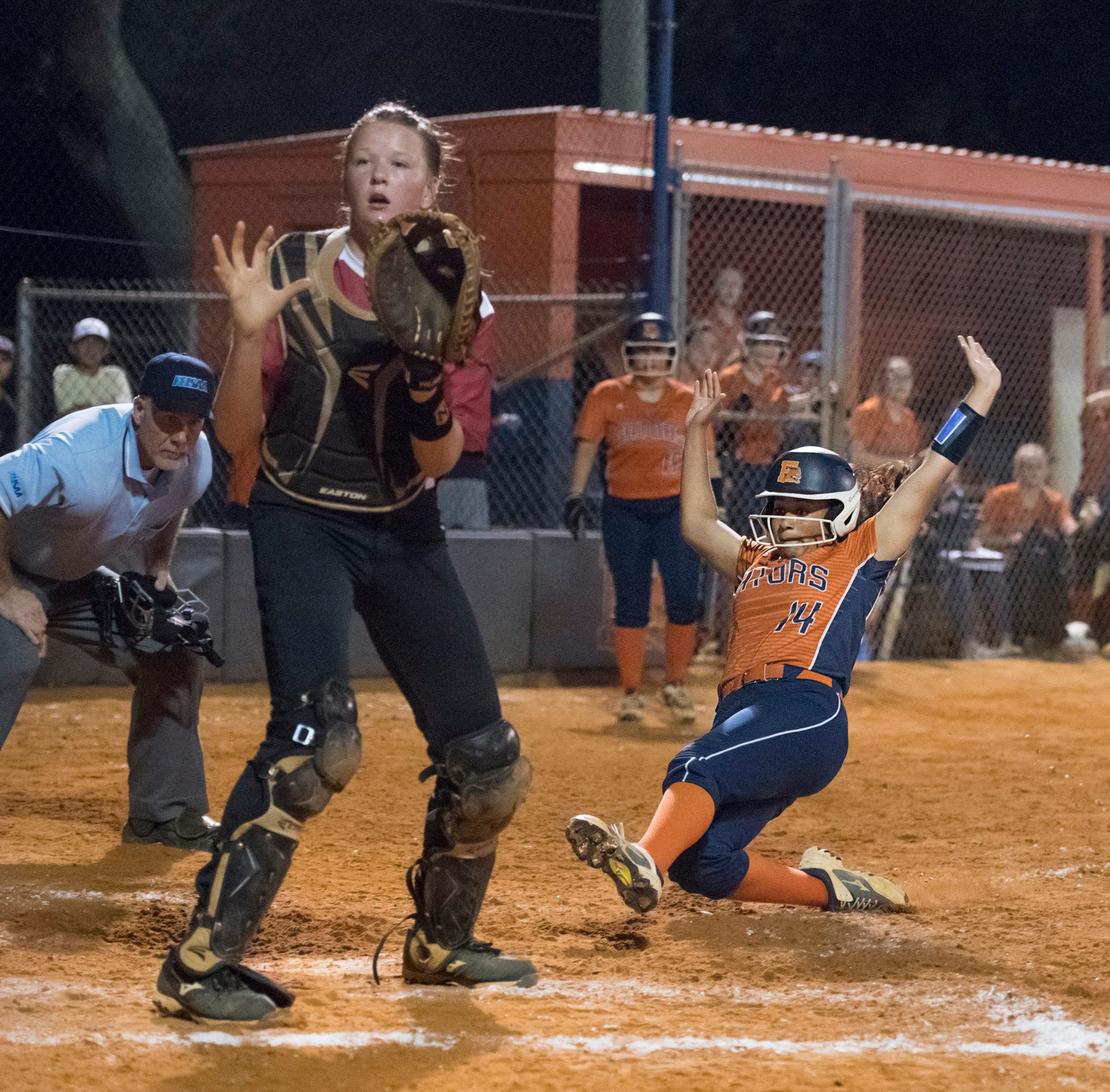 Escambia softball stuns Tate after Hardy scores walk-off run