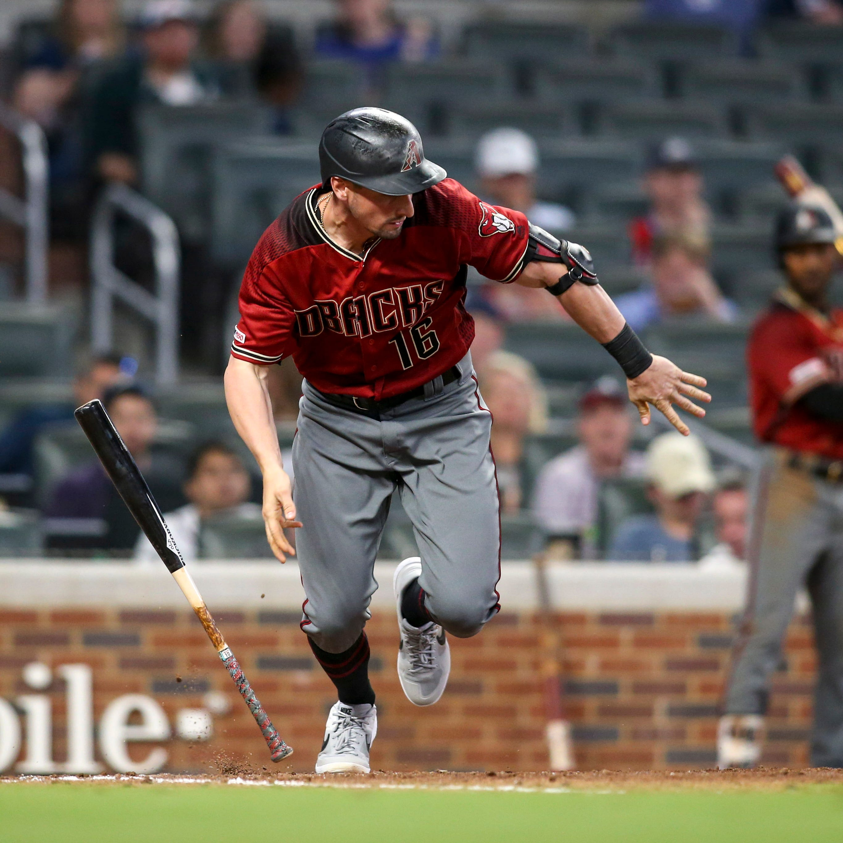 Tim Locastro's bunt sparks Diamondbacks in winning rally over Braves