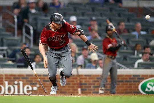 Tim Locastro's bunt sparked the Diamondbacks' extra-innings rally against the Braves on Wednesday.