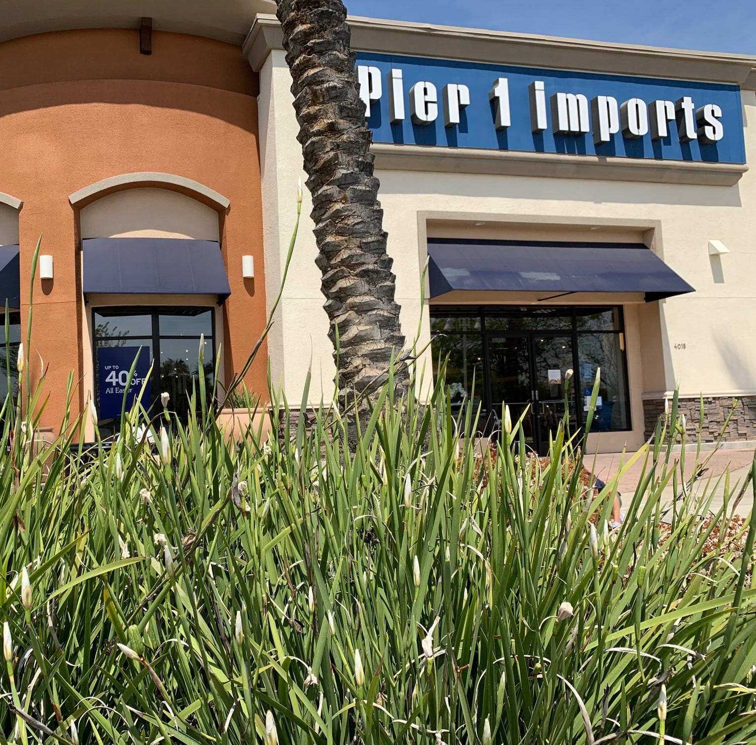 Pier 1 Imports could close up to 145 more stores
