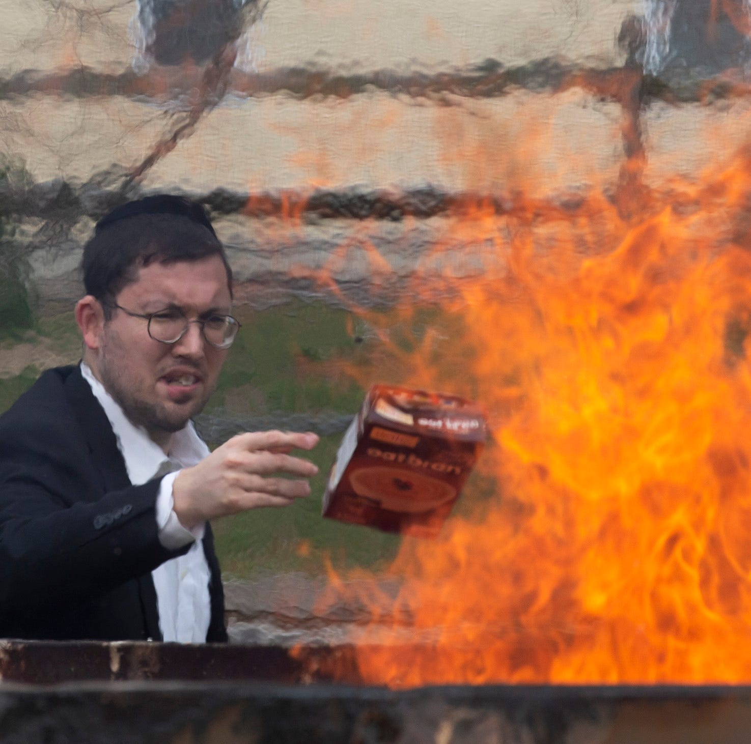 Lakewood: Bonfires to burn leavened bread signal start of Passover