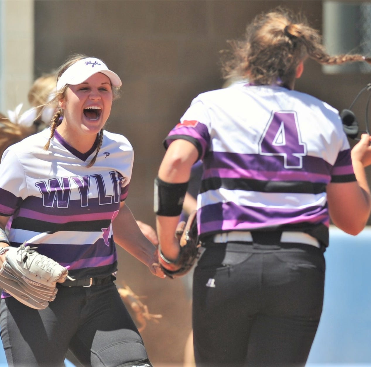 Late surge lifts Wylie over Abilene Cooper for District 4-5A softball title