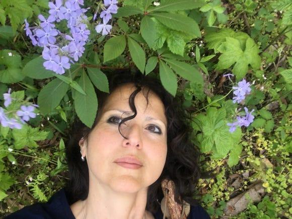 Citizen Times outdoors reporter Karen Chávez gets stress detox at the Botanical Gardens at Asheville.