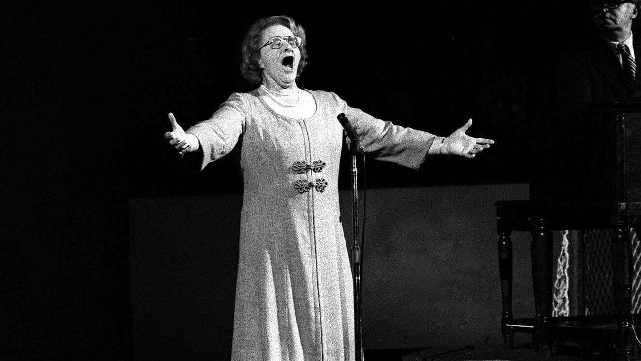 Flyers cut ties with Kate Smith recordings after 'offensive lyrics' come to light