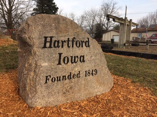 Hartford is a town of 711 people located 17 miles southwest of Des Moines in Warren County.