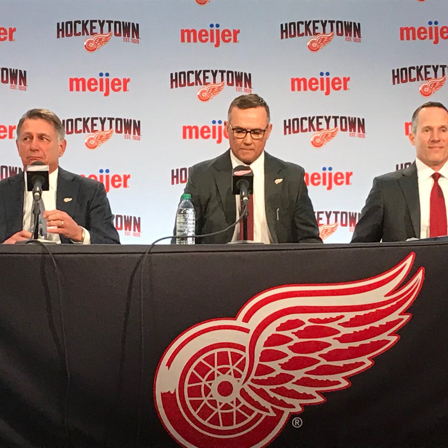 Detroit Red Wings introduce Steve Yzerman as GM: Video replay