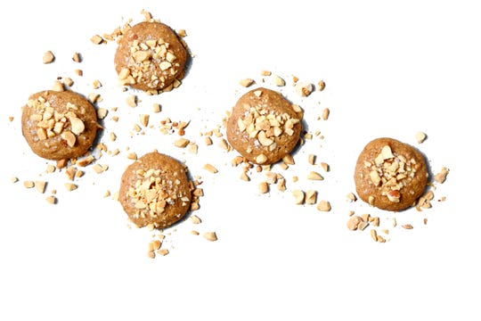 These flourless cookies bake up crisp around the edges and chewy on the inside. (Mariah Tauger/Los Angeles Times/TNS)