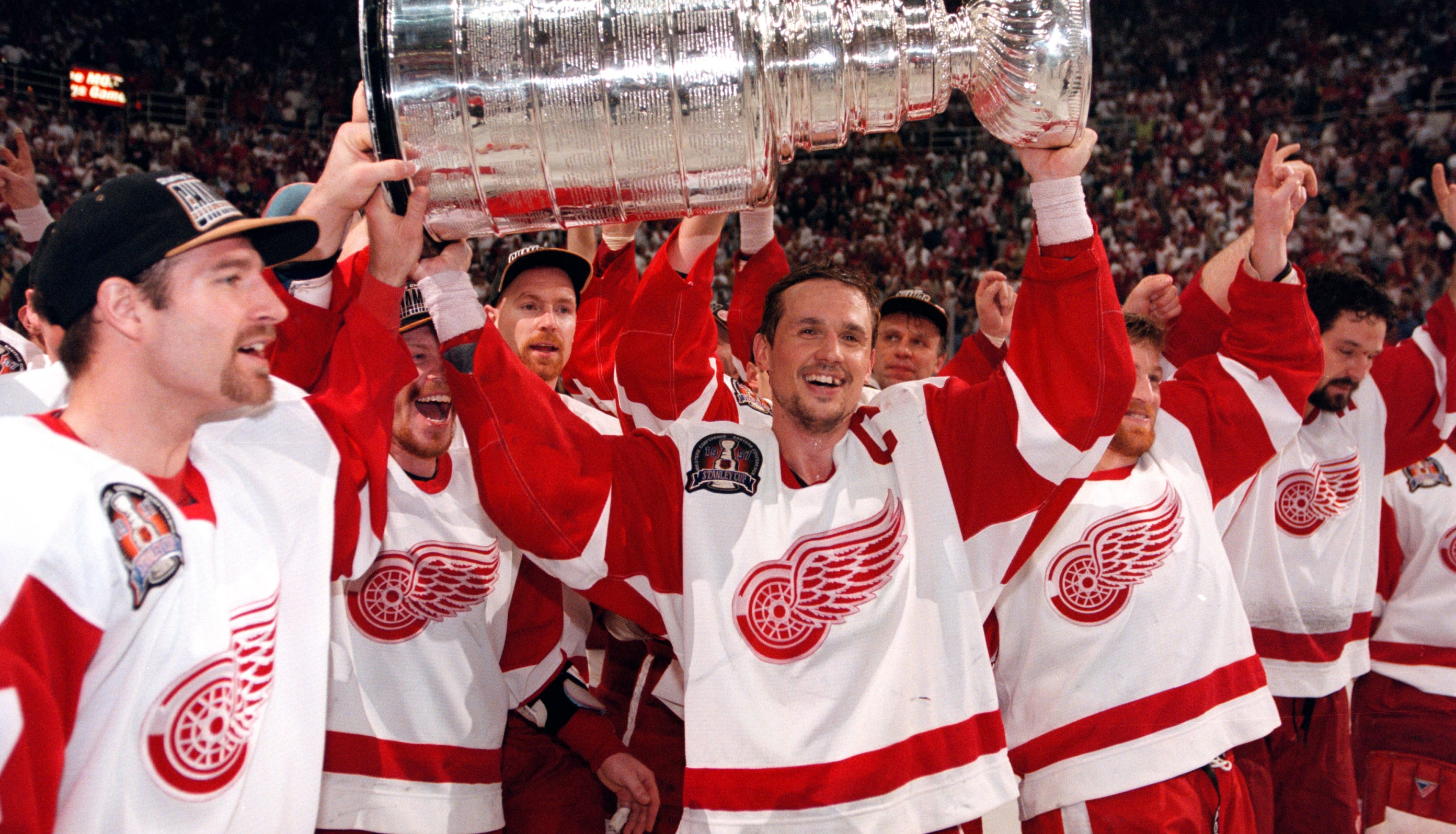 Yzerman rules: Wings GM applies lessons from 14-year Cup drought