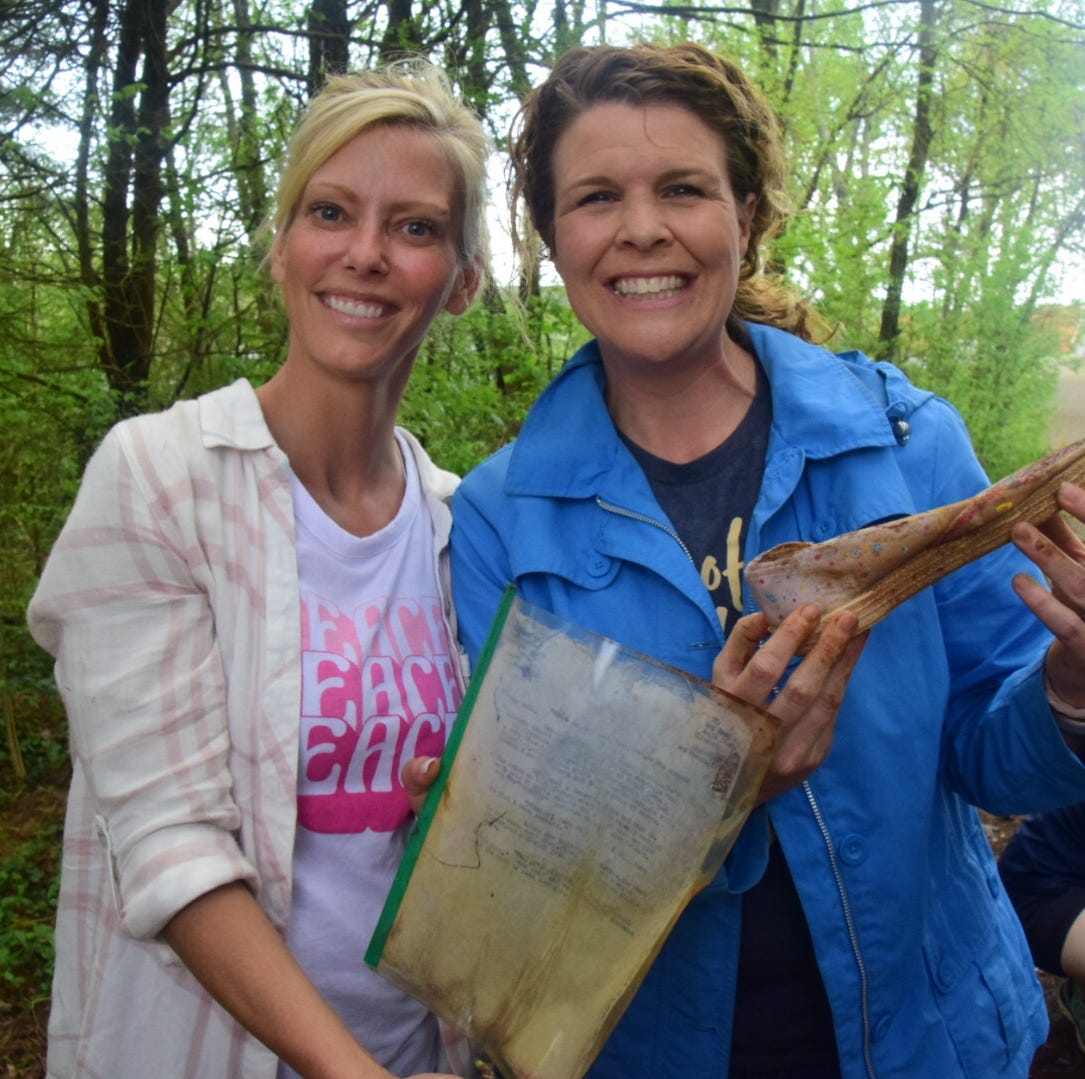 Shopper News blog: Time capsule unearthed after 30 years at Karns Middle School