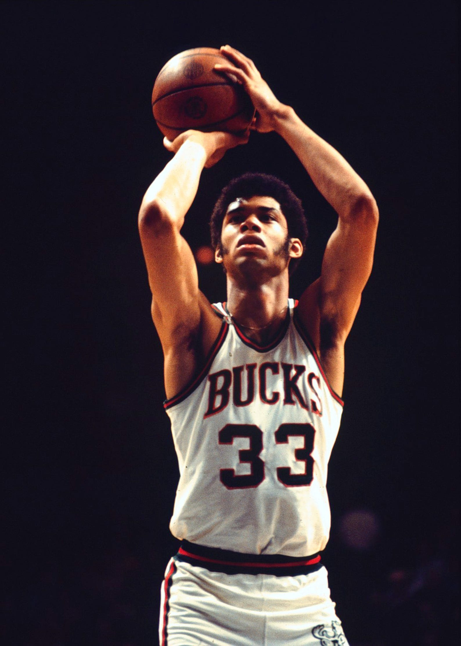 reputable site 42b18 33d81 20 photos that show Kareem Abdul-Jabbar making the Bucks a ...