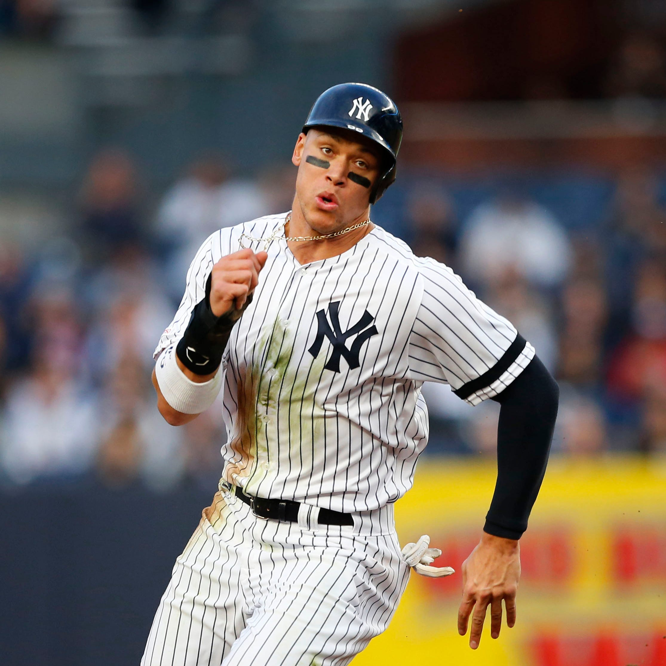 New York Yankees lose Aaron Judge in sixth inning with oblique injury; MRI up next