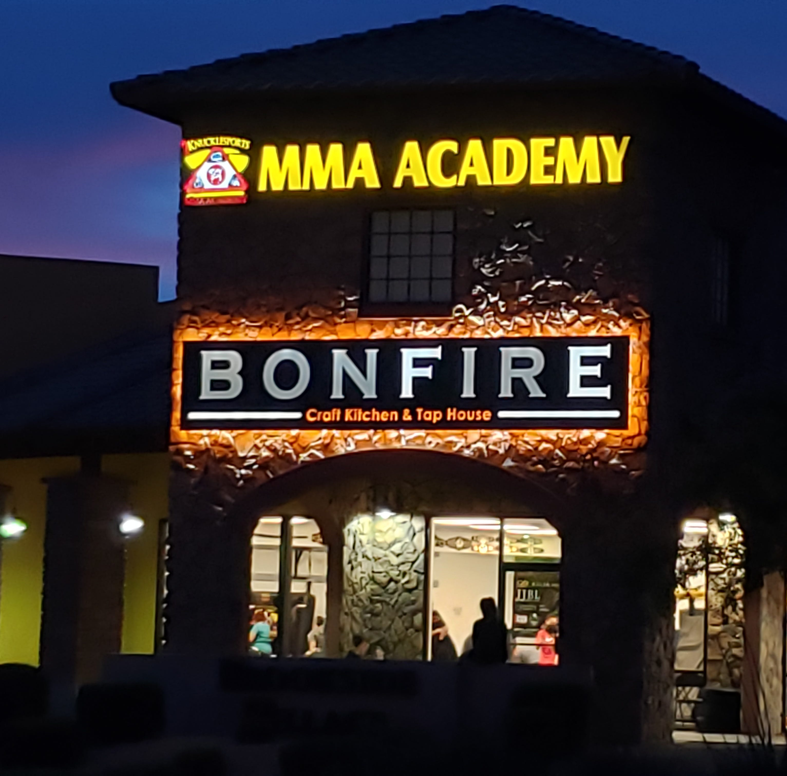 Free s'mores before dinner? Bonfire Craft Kitchen and Tap House answers call for more local fare in Surprise