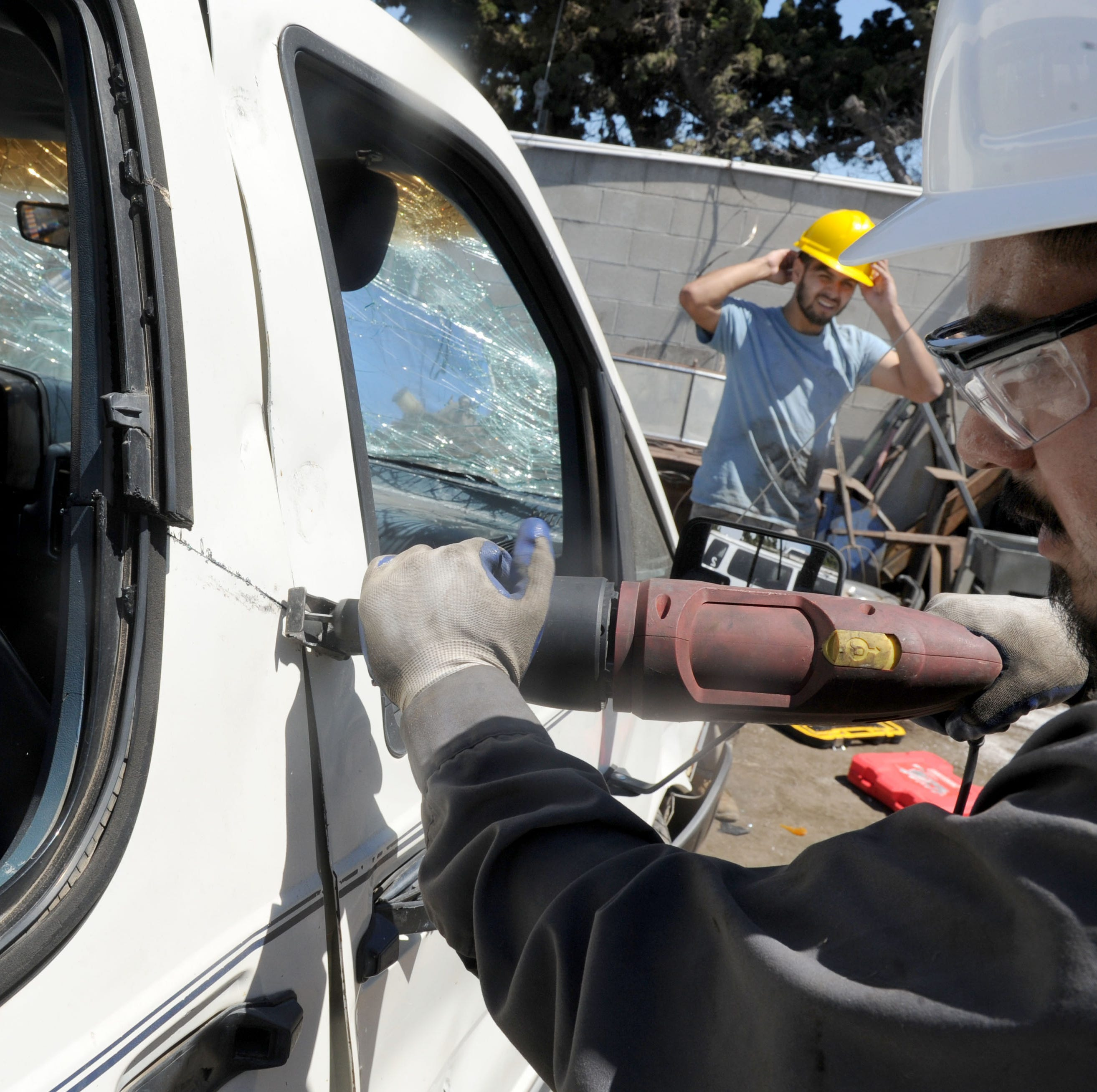 Year-round program pays Ventura County residents to turn in old cars