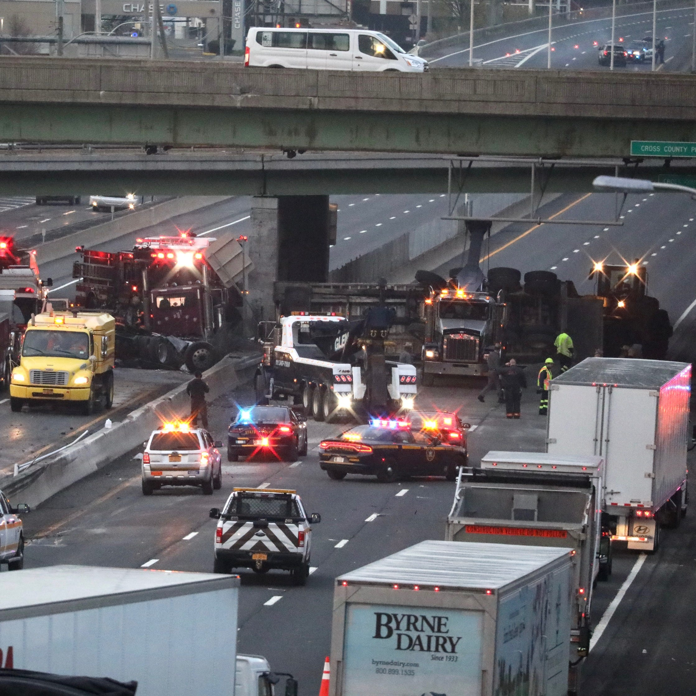 Traffic: Overturned tractor-trailer closes Interstate 87 northbound in Yonkers