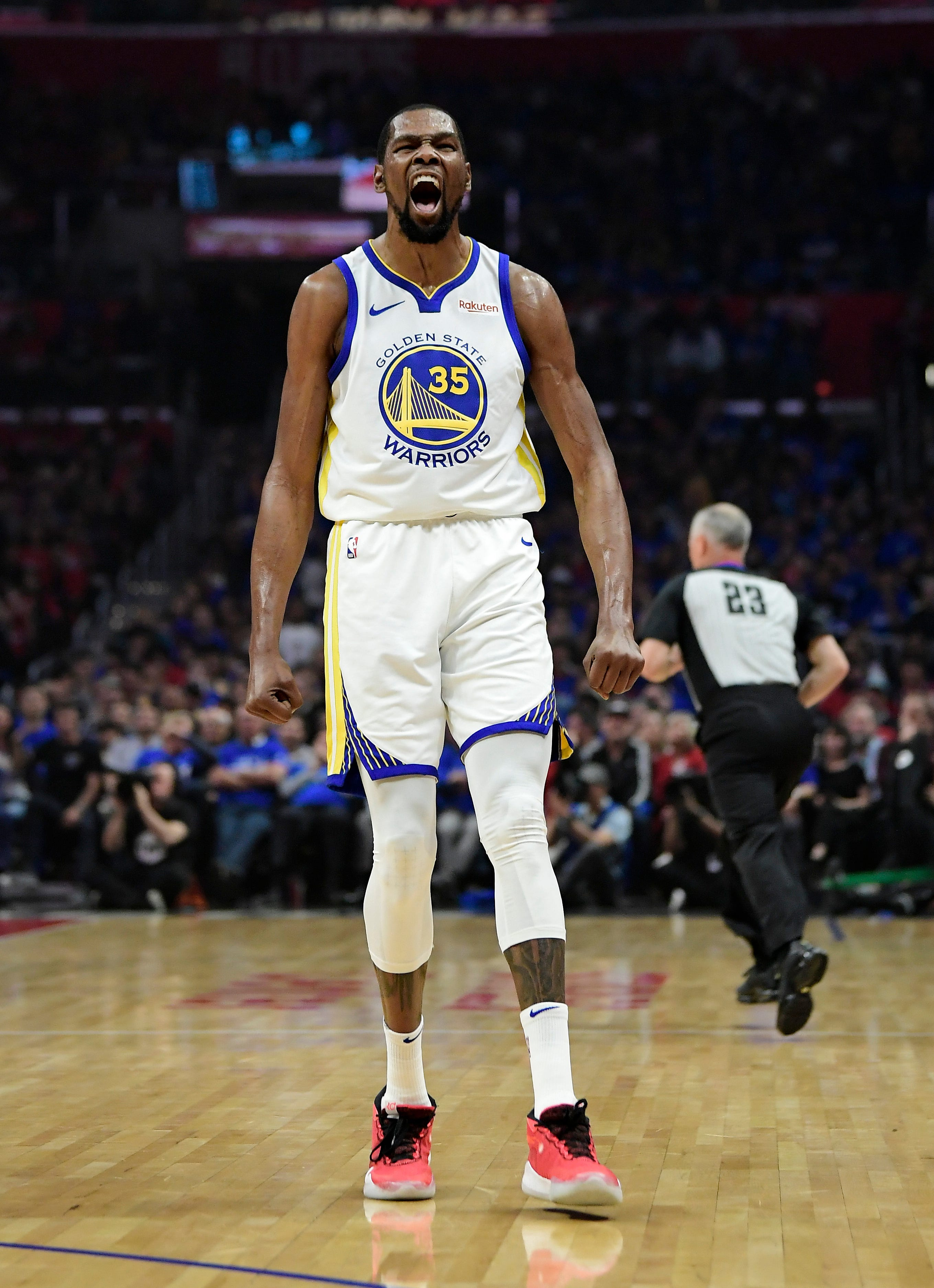 Opinion: Warriors ensure no comeback this time with rout of Clippers in Game 3