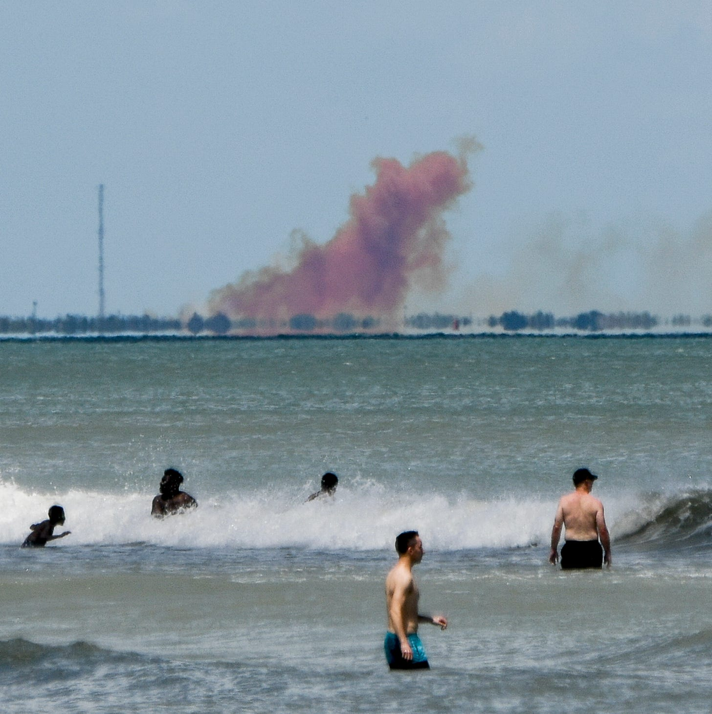 SpaceX cleaning up Cape Canaveral landing zone after Crew Dragon explosion