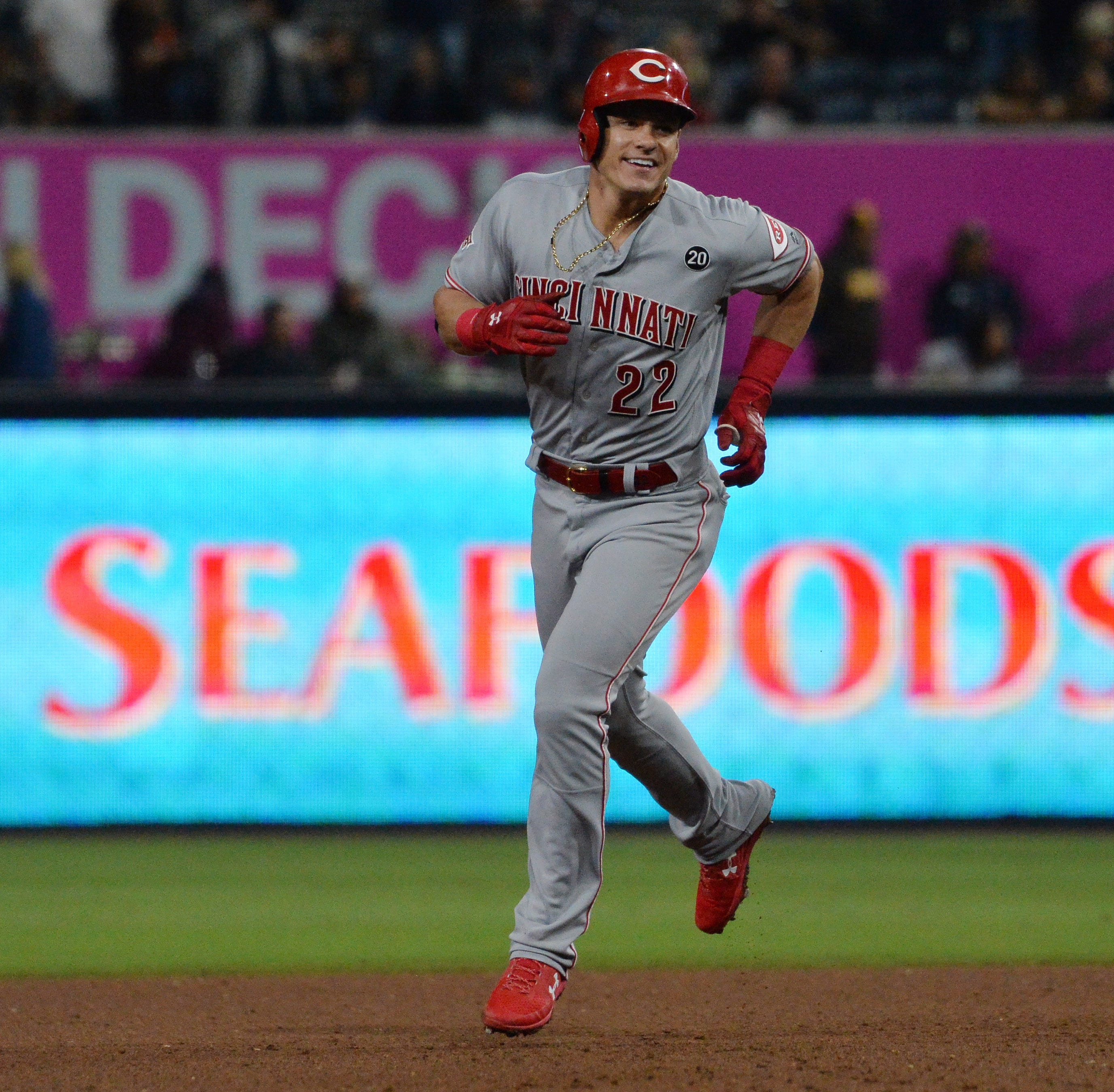 Derek Dietrich clobbers homer to lift Cincinnati Reds to win over Padres in extra innings