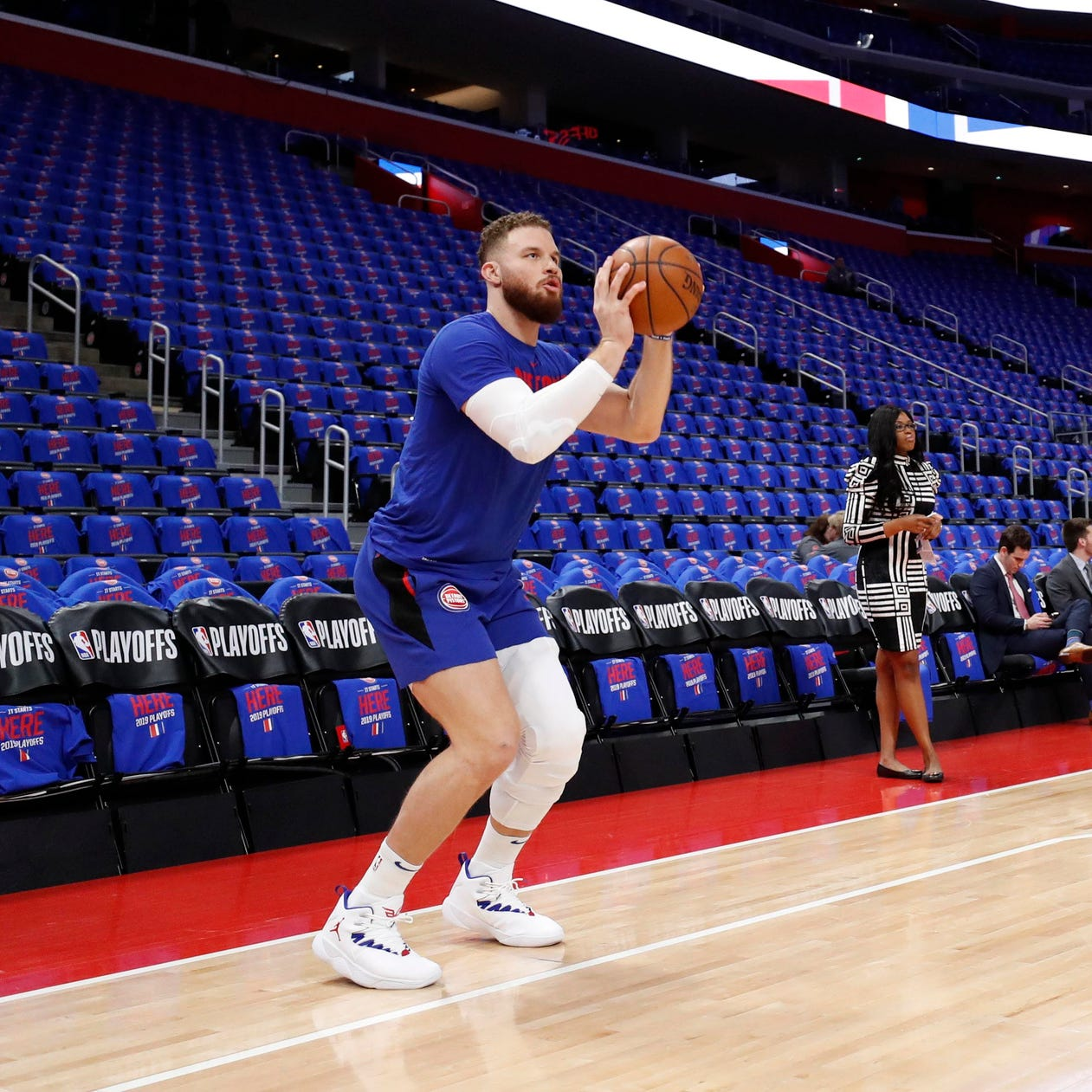 Blake Griffin starting for Detroit Pistons in Game 3 vs. Bucks
