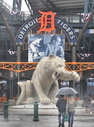 The game between the Tigers and White Sox was postponed because of rain.