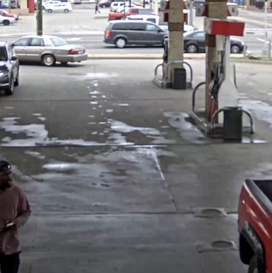 Suspect sought in Detroit gas station shooting