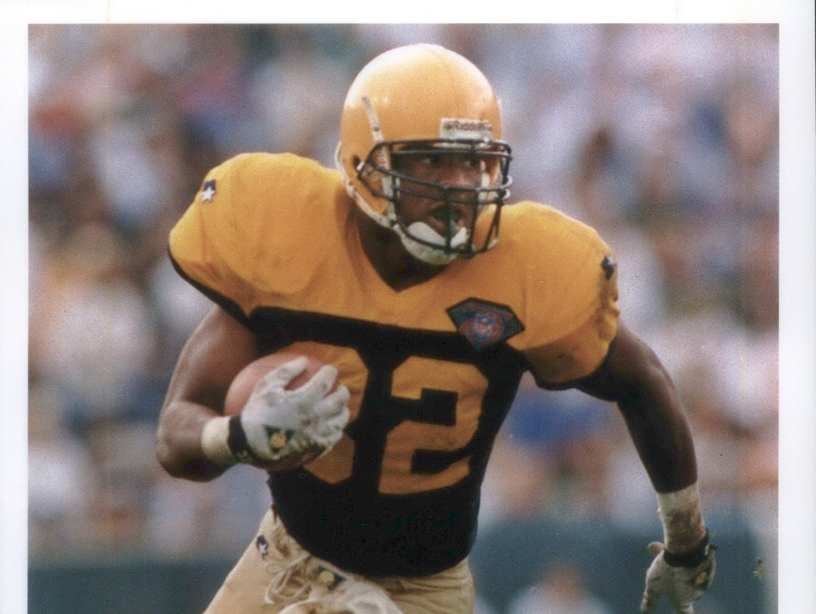 Running back Reggie Cobb carried the ball 12 times and rushed for 46 yards against Tampa Bay.Cobb agreed to a   two-year contract worth $2.2 million with the Green Bay Packers before the 1994 season.