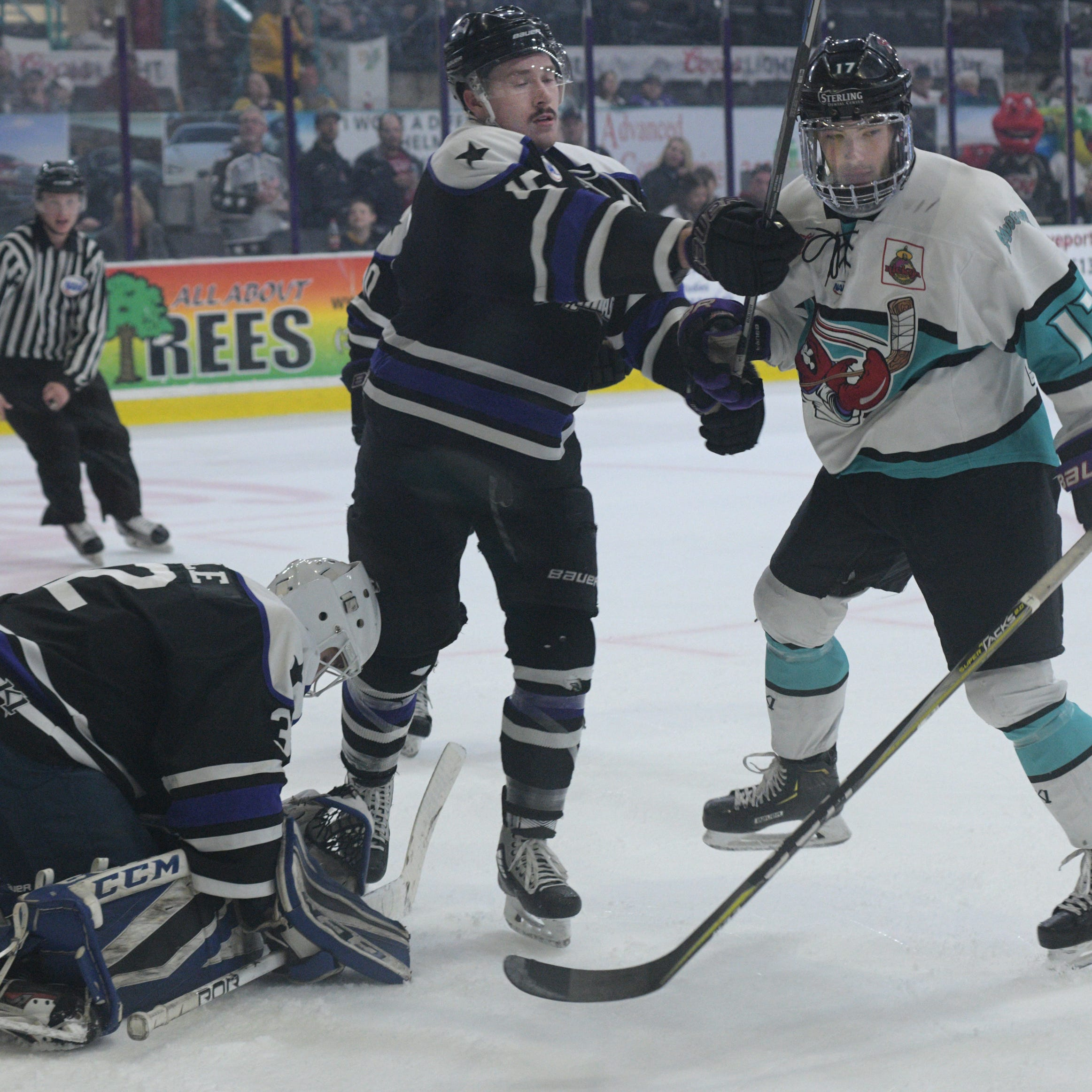 Mudbugs lay egg vs. Brahmas in Game 3