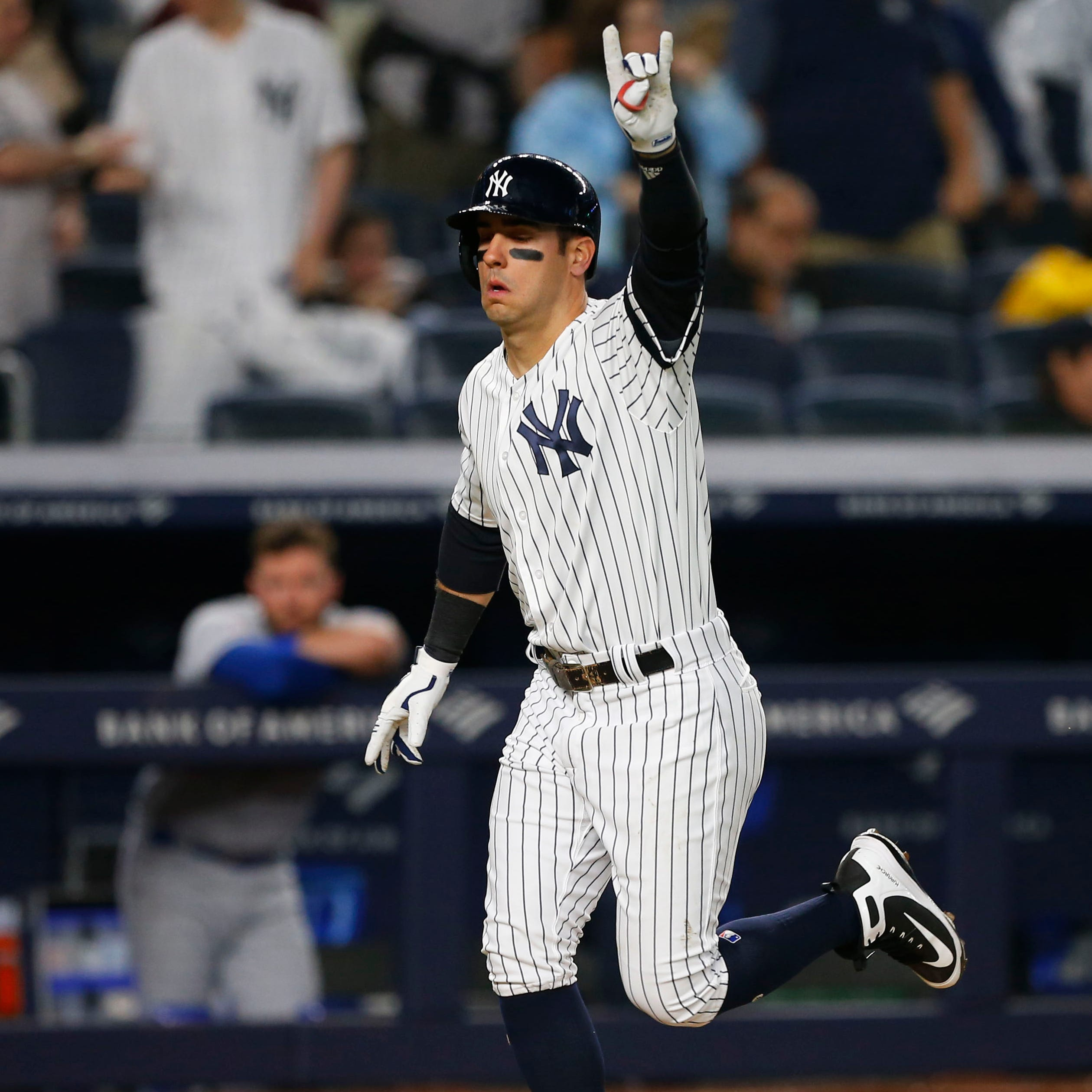 Mike Tauchman, Brett Gardner homer as Yankees beat Royals