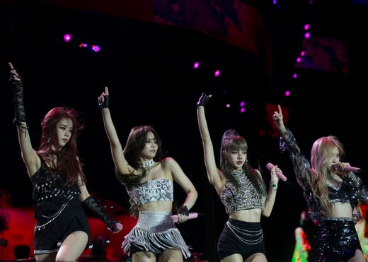 Coachella 2019: BLACKPINK performs instant replay of last