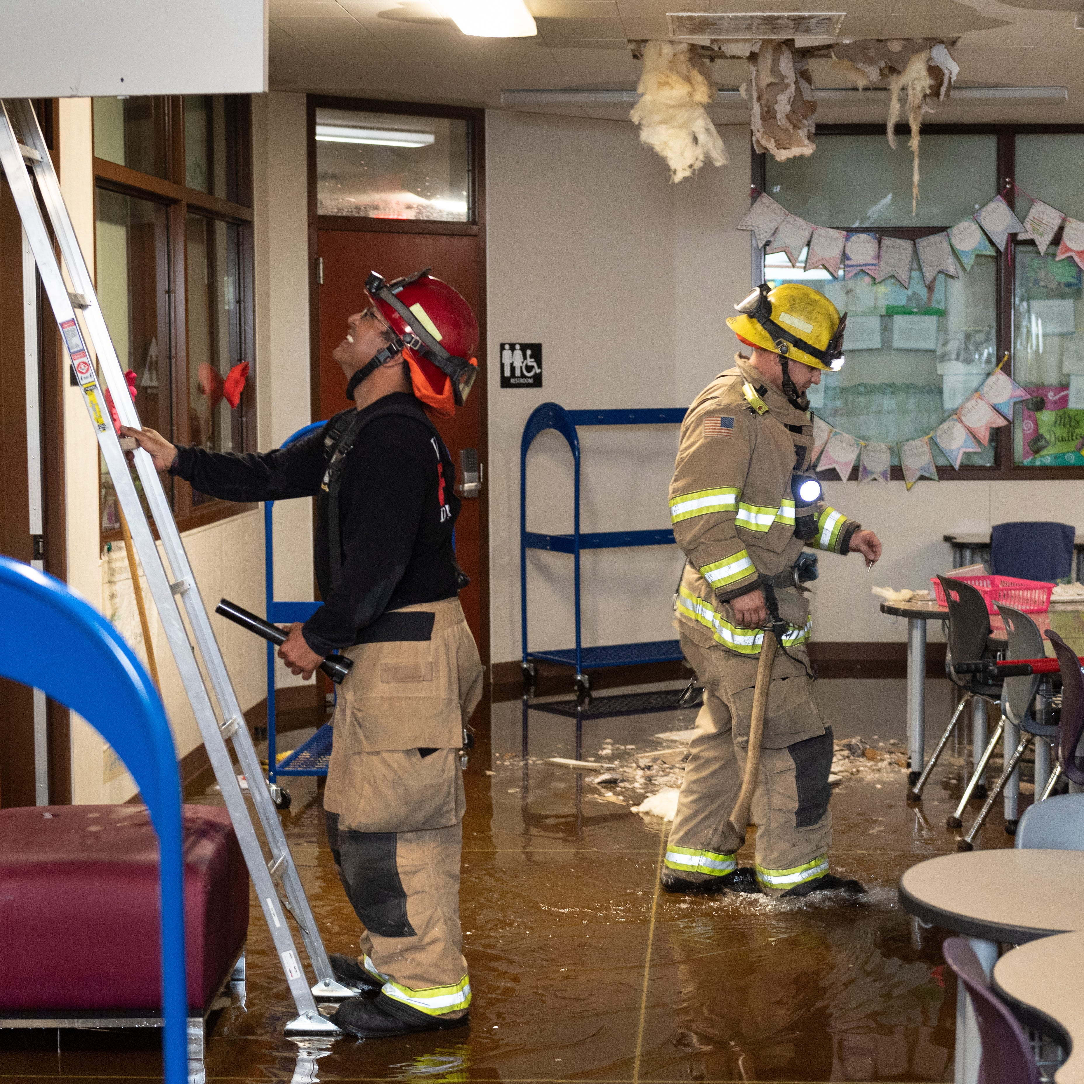 Fire sprinkler 'malfunction' leads to Riverway Elementary School flooding