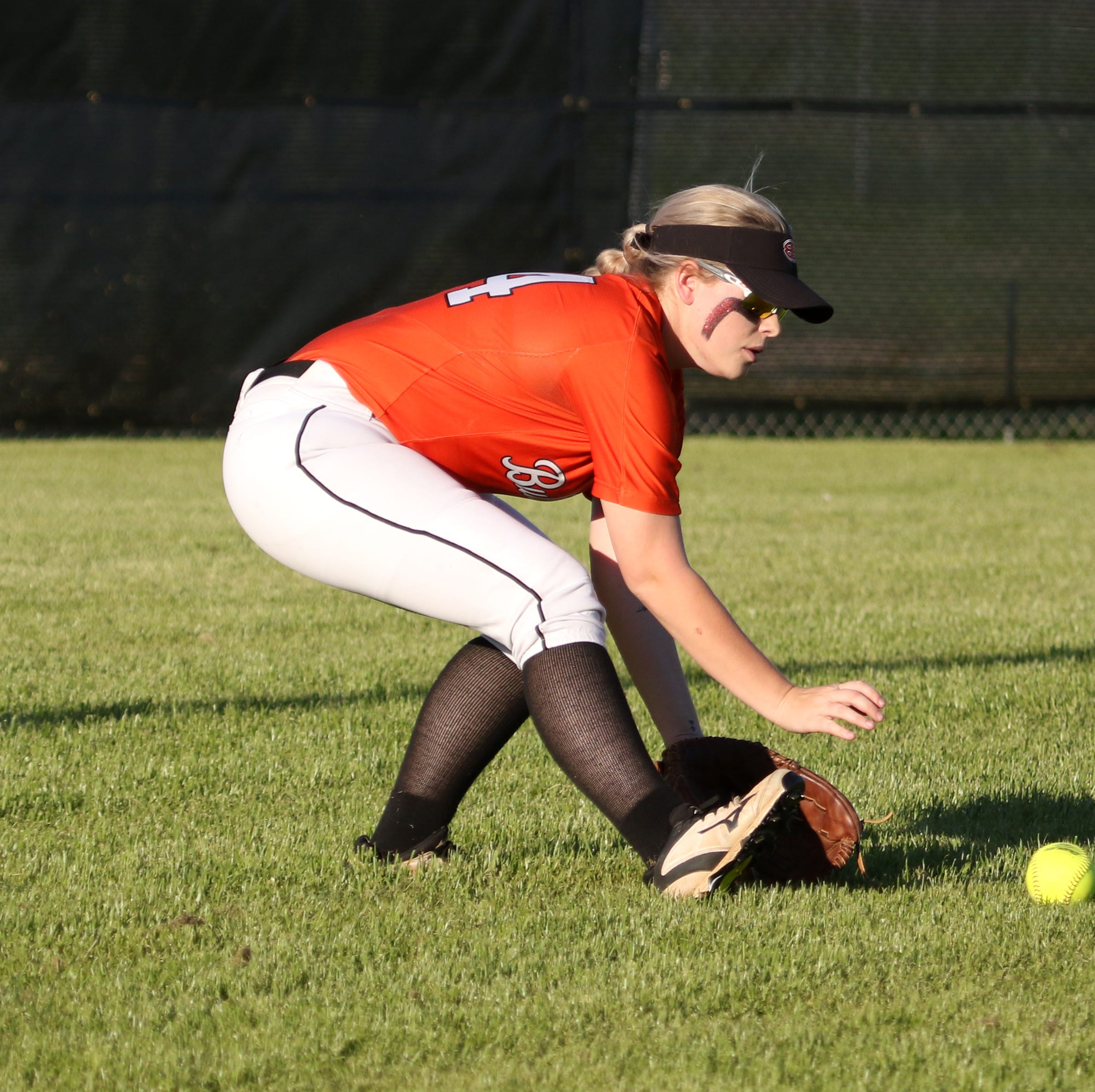 Softball: Burkburnett advances to next round; Henrietta takes opener
