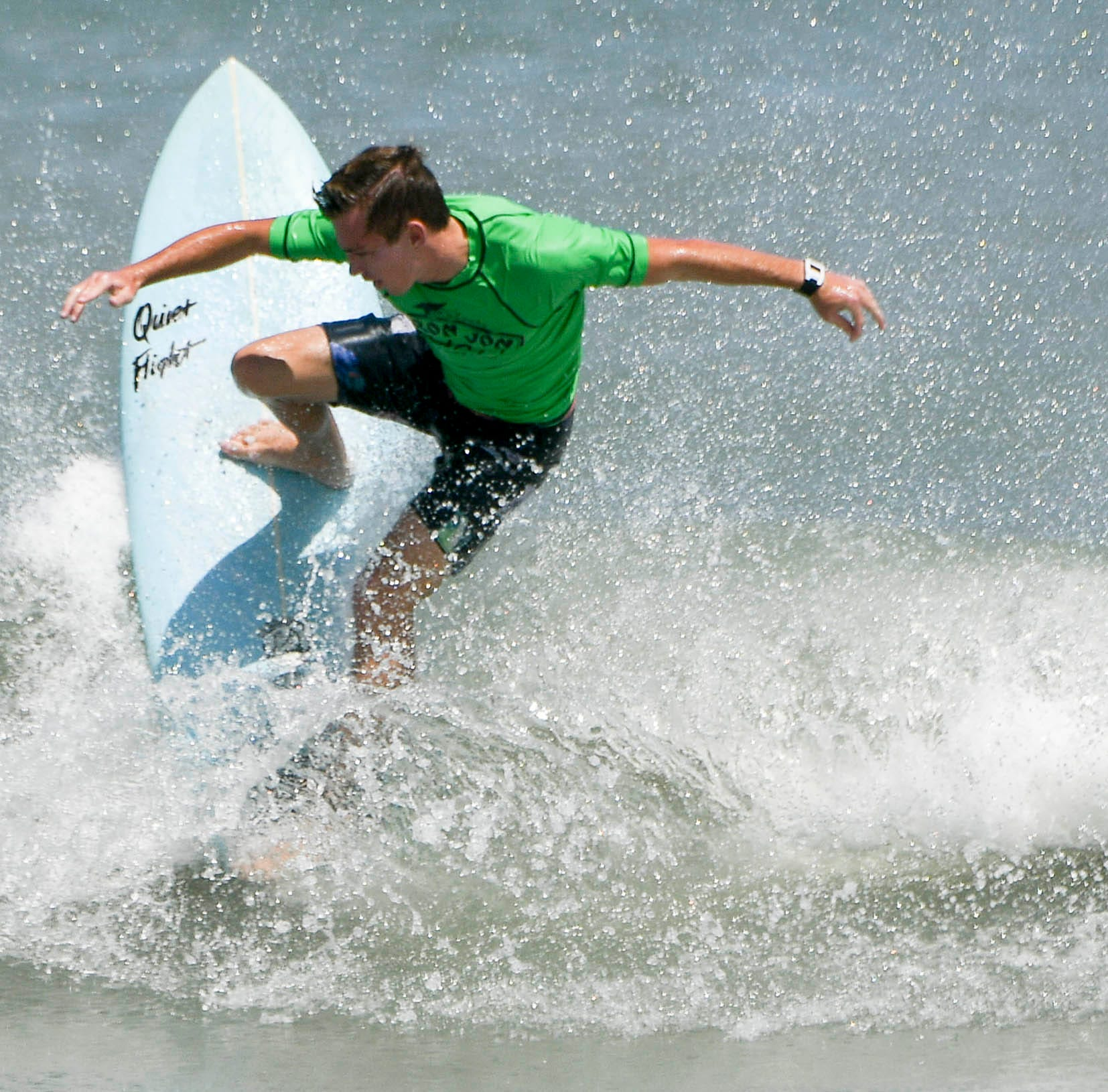 Wallhauser, doggies claim Easter Surf titles in Cocoa Beach