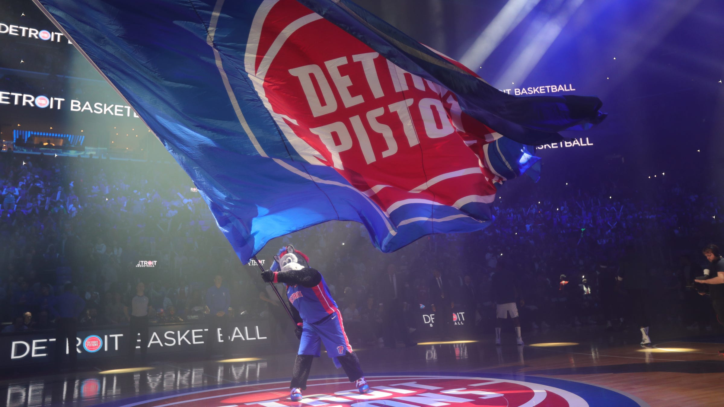 Pistons enter partnership with betting firms FanDuel, DraftKings