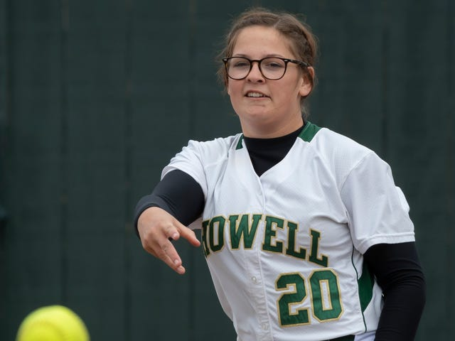 Division 1 softball: Howell's offense comes alive in