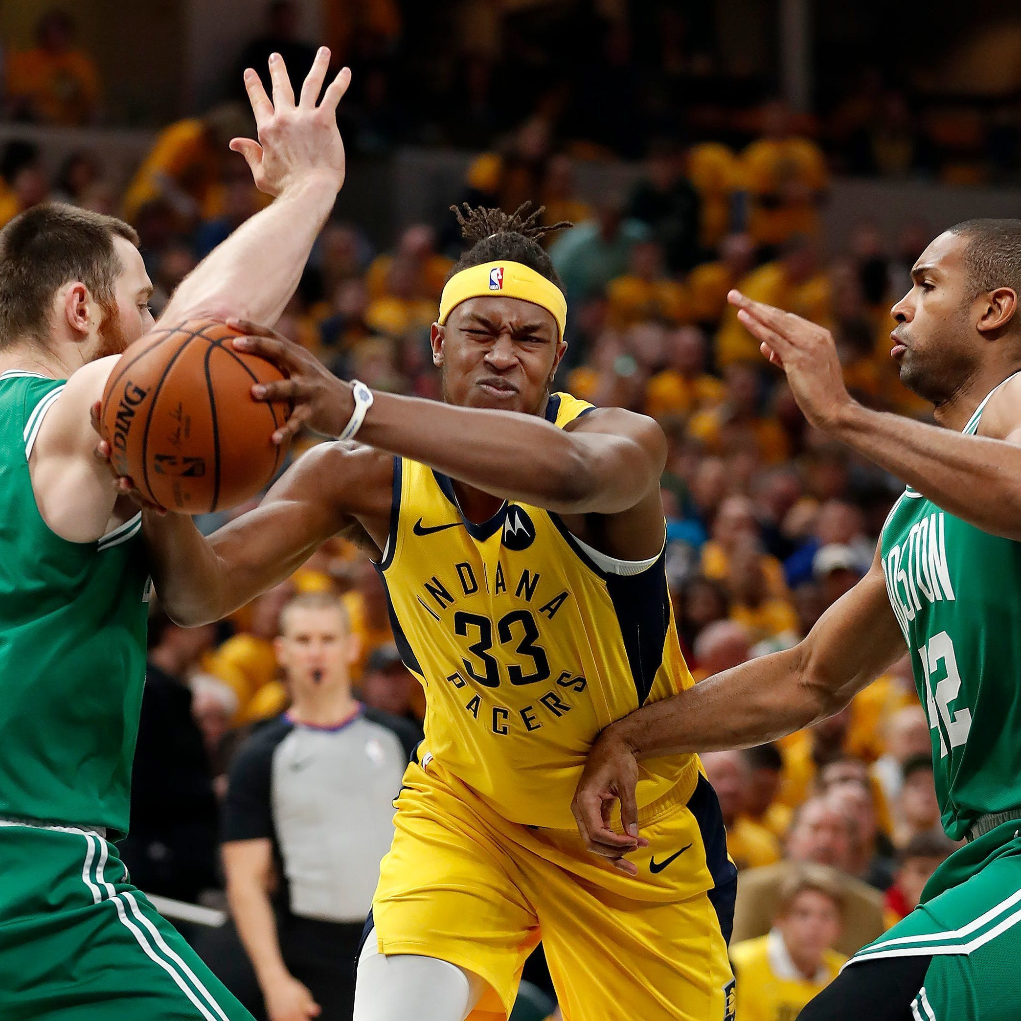 Pacers lead Celtics at halftime of Game 4