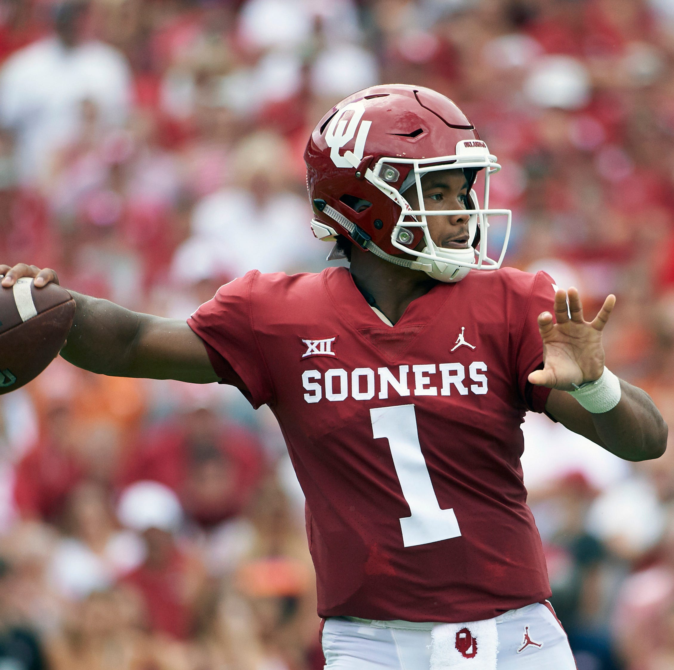 Martin Frank's 1st-round NFL mock draft: How teams drafting QBs will help the Eagles