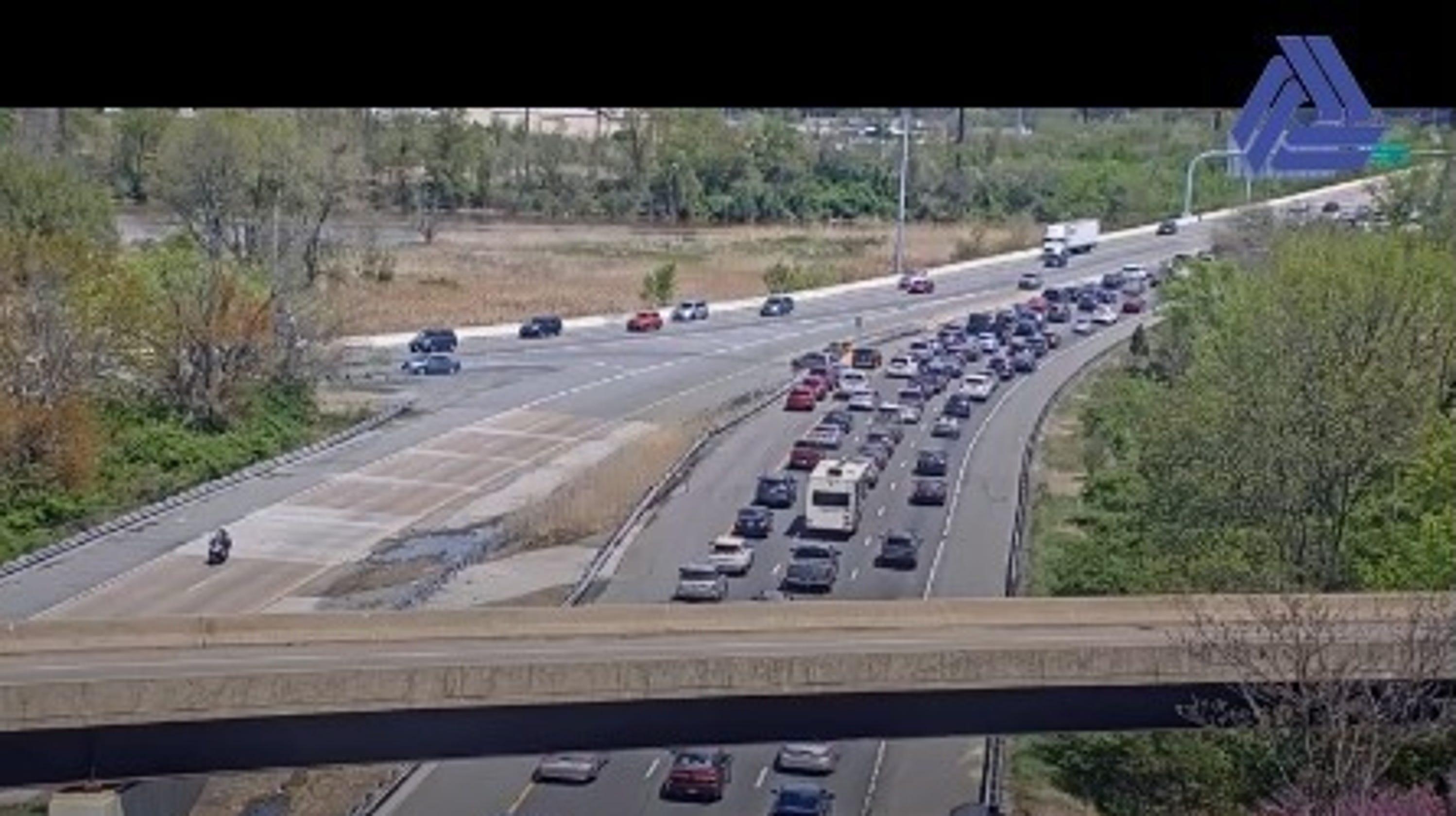 Crash delays traffic on I-95 northbound