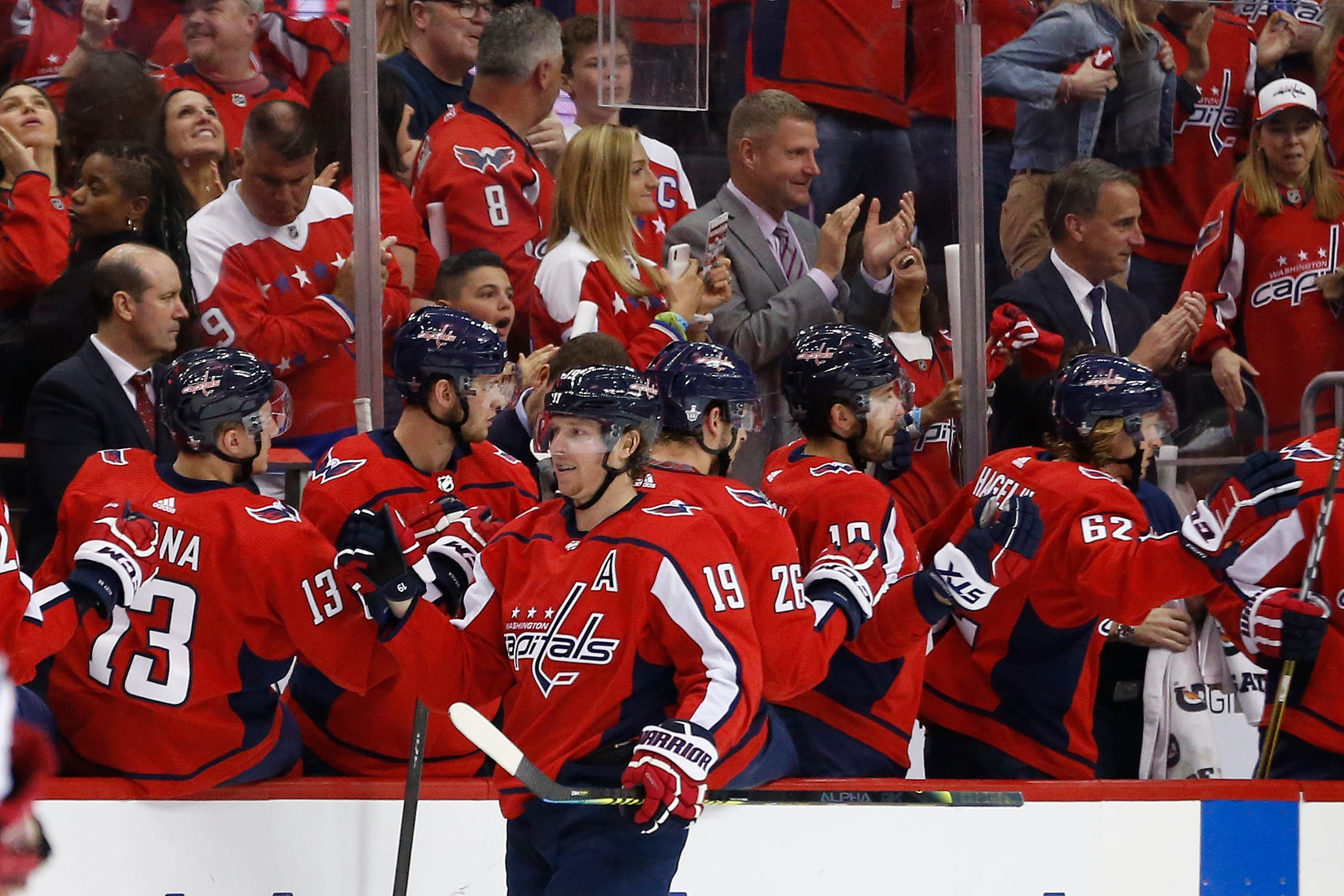 Washington Capitals rout Carolina Hurricanes in Game 5 to take NHL playoff series lead