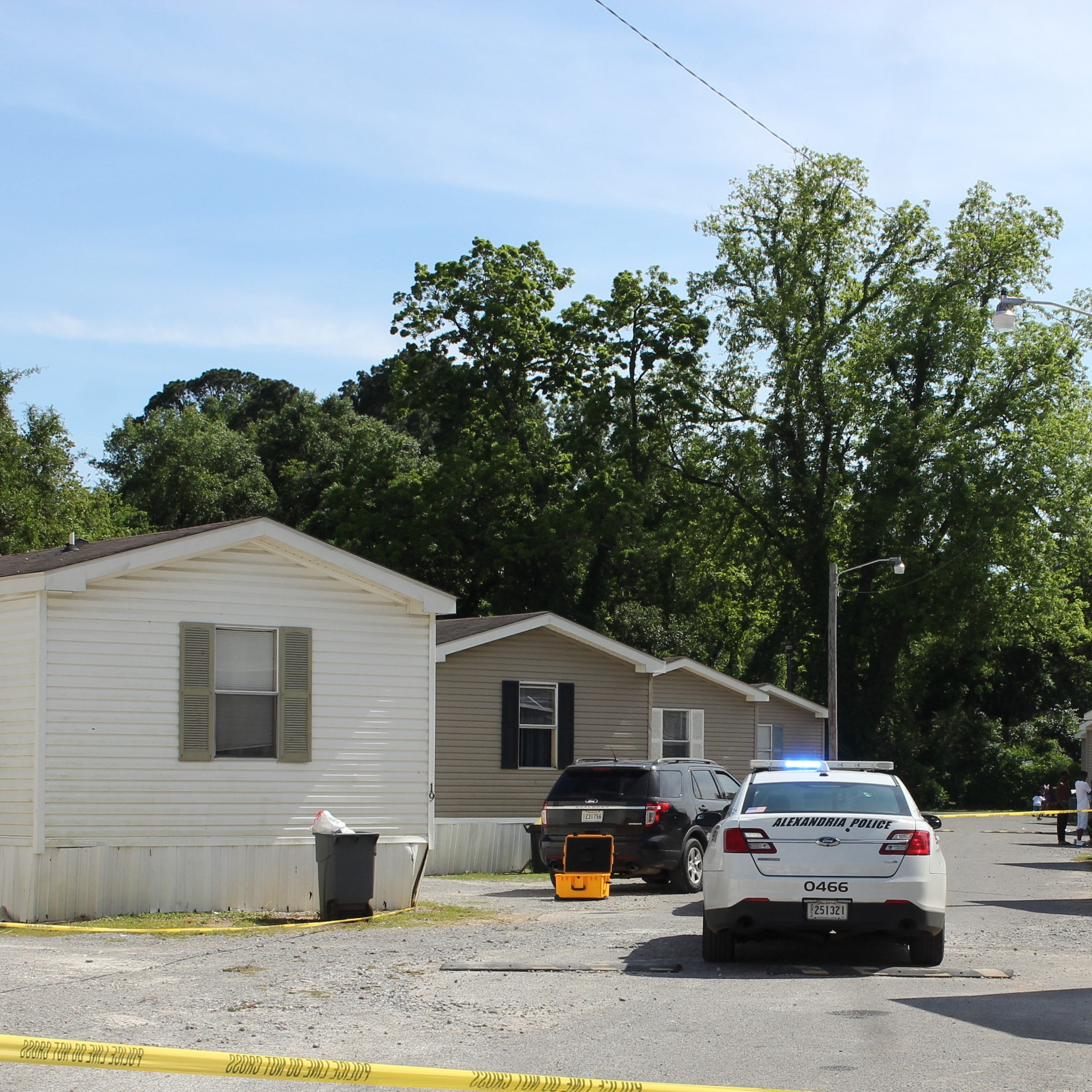 Alexandria Police: Woman shot man before fatally shooting herself