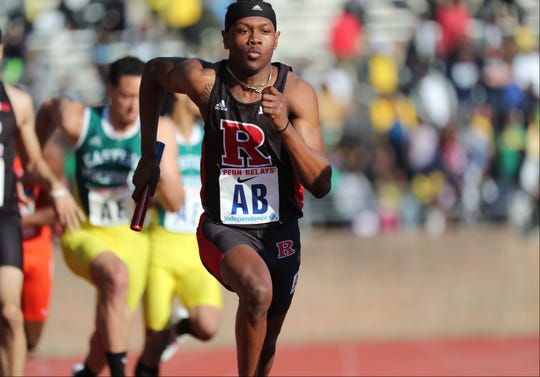 Taj Burgess anchors Rutgers' 4x400 to fourth place at the 2018 Penn Relays