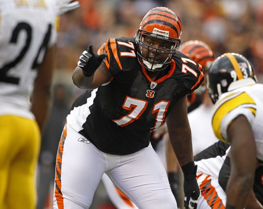 Sunday, Nov. 13, 2011 BENGALS SPORTS :  Cincinnati Bengals offensive tackle Andre Smith (71) directs the line against the Pittsburgh Steelers during their game at Paul Brown Stadium.The Enquirer/Jeff Swinger/Jeff Swinger